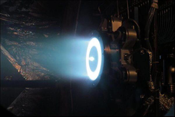 电力推进太空引擎又跨越一个里程碑
