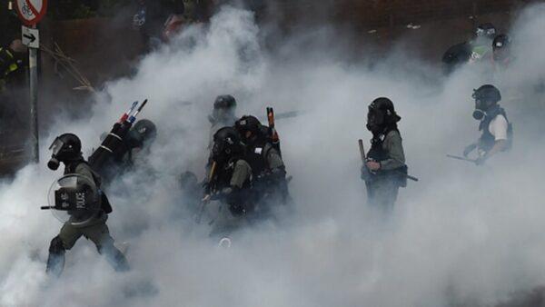 分析:港警引燃世纪之毒 万颗催烟埋生态地雷