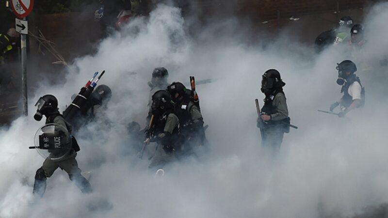 港府1天檢控242人 多人當庭控訴港警暴行
