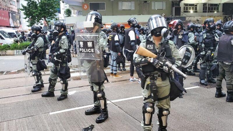 香港持续动荡 今早交通大乱 警察武装驻守