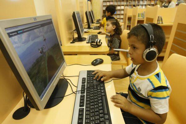 研究:学龄前儿童接触屏幕时间应最小化