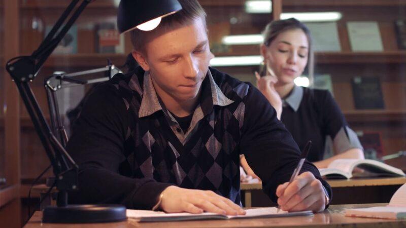 加国四省评估:安省公校班级最小 成绩最差