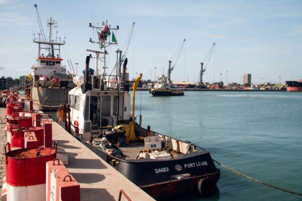 西非贝南传海盗攻击 挪威货船9名菲藉船员被绑架