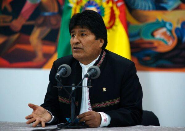 大选传舞弊军警倒戈 玻利维亚总统宣布下台