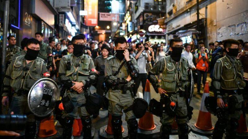 挑戰禁蒙面法 港人萬聖夜戴面具上街集會(多圖)