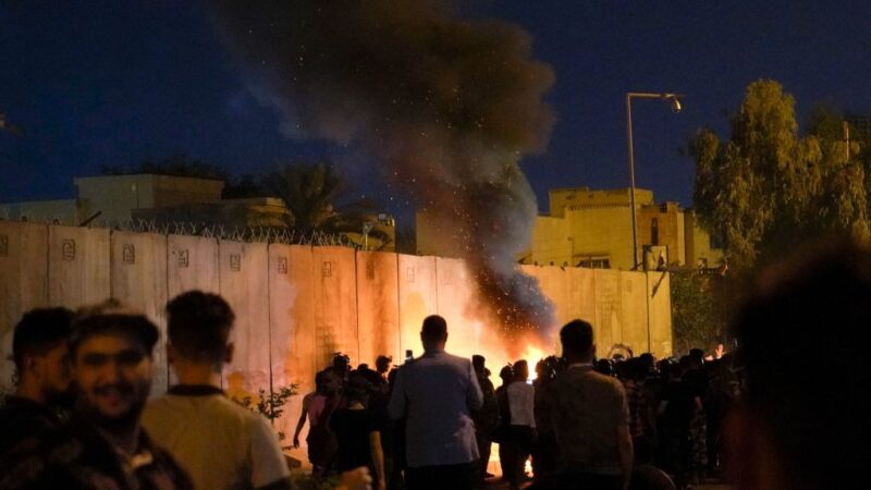抗議伊朗 伊拉克示威者闖領事館釀至少4死19傷