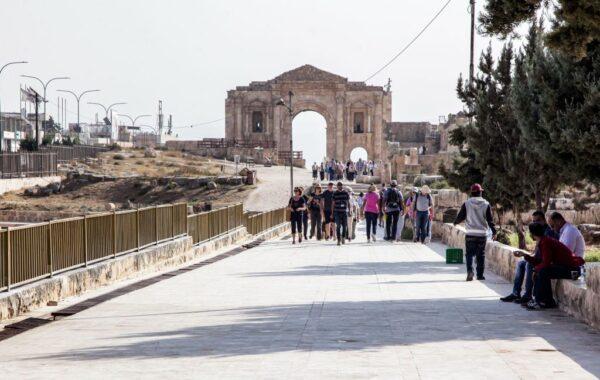 约旦古城男子持刀乱刺 8伤包括4名外国游客