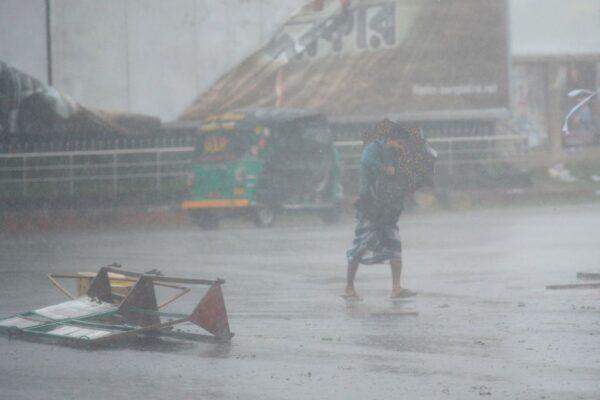 气旋袭印度及孟加拉 至少20死200万人避难