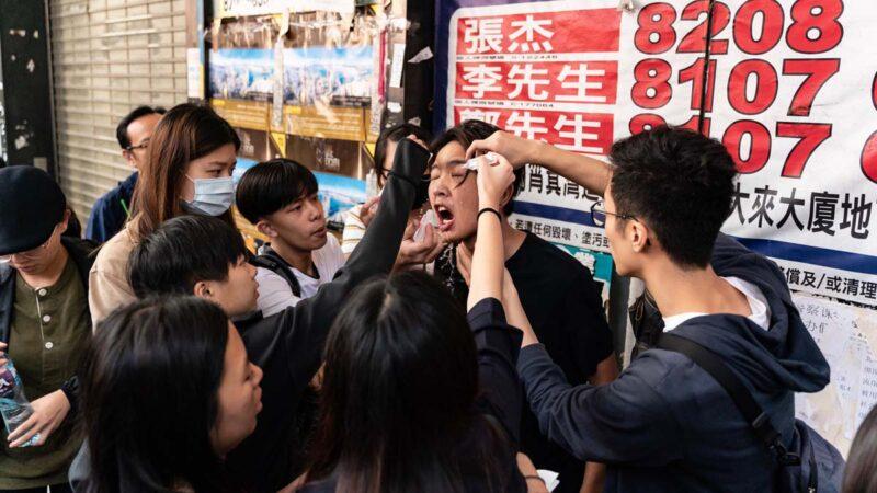 香港322个中学生组织誓言:50年也奉陪到底