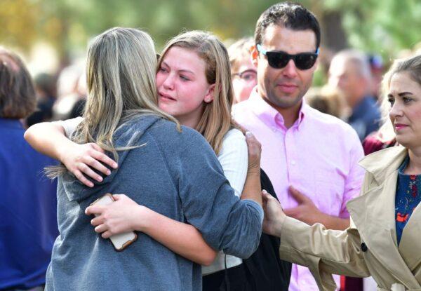 加州校园枪击当下 男子开门助学生躲枪火