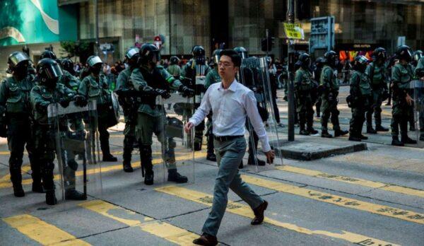 """香港跨国企业人去楼空 """"国安法""""留岛不留人"""