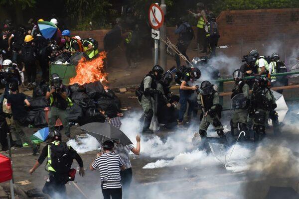 香港全民抗暴5890人被抓 最小11岁最大83岁
