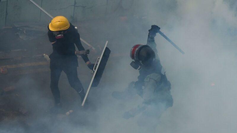 【直播回放】11.17 香港理工大学数百人被困 警方释放大量催泪弹