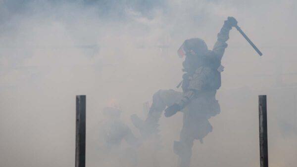 """美英欧盟齐发声 谴责港警""""不合理武力""""吁克制"""
