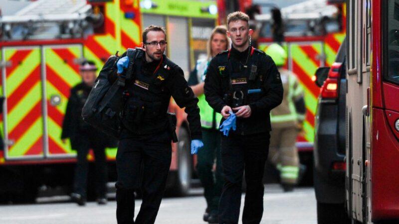 倫敦橋恐攻 路人鯨魚牙、滅火器壓制嫌犯