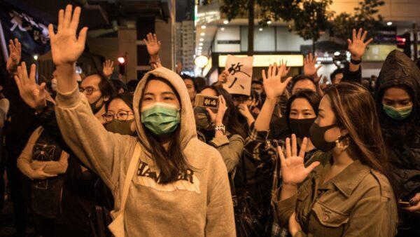 香港160万民意促警撤离 60余新议员理大救人