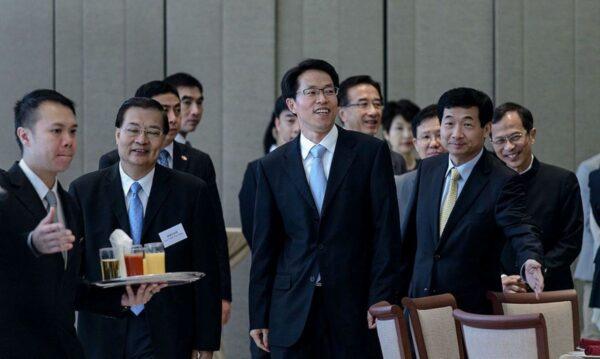 张晓明赴港演讲突然叫停 传北京对港有新部署