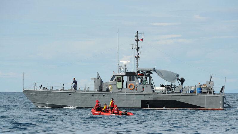 菲律宾约载60人渡轮翻覆 官方展开救援