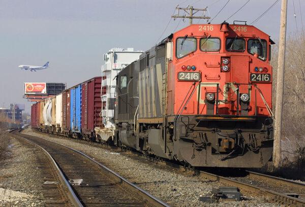 加国铁路员工大罢工 商品运输中断 矿业叫苦连天