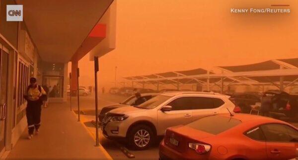 """40度高温下沙尘暴来袭 澳洲小镇秒变""""火星"""""""