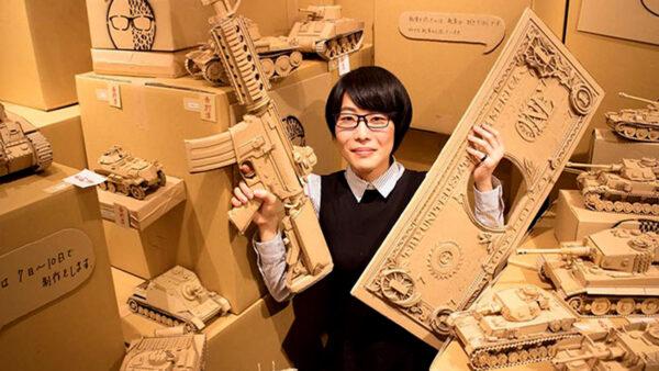 日本女生把快递纸箱变艺术品 精巧到不可思议