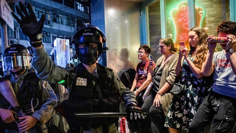 香港警察被「繳槍」?高層失權內幕曝光