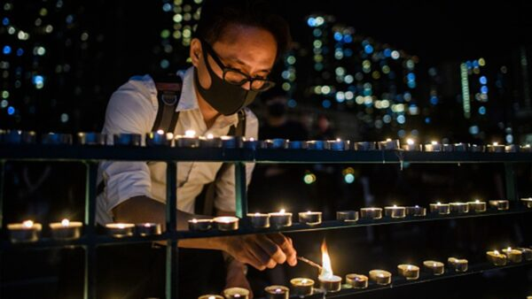 大陆学生参与反送中:望大陆接住香港自由火炬