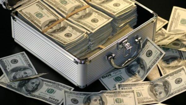 大量資金外逃 中國外儲見底 外債達3.5萬億美元