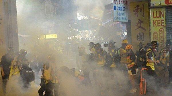 袁斌:建制派的席位是被催泪弹打飞的