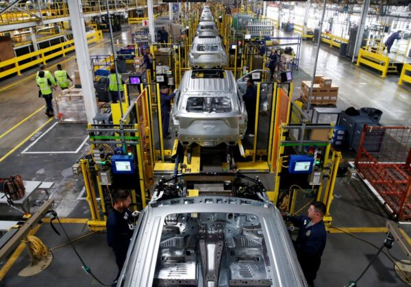 美製造業續萎縮 道指獲利了結 跌268點