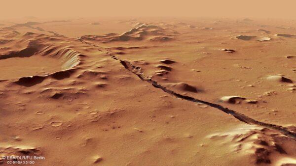 火星首个地质裂缝探秘
