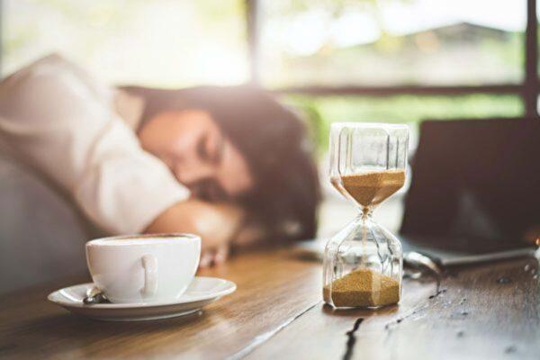 小睡一下益處多 多久最好?