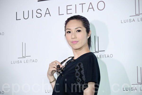 杨千嬅在综艺节目中爆哭 自嘲像娱乐圈的怪物