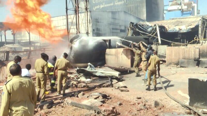 气槽车爆炸引大火 苏丹瓷砖厂酿23死逾130伤(视频)