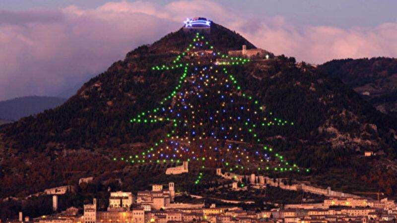 高750公尺 世界最大聖誕樹在意大利(視頻)