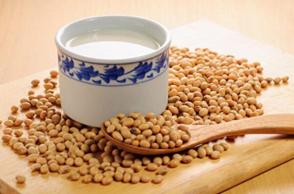 大豆增肌減脂防失智!豆漿等6道養生料理教你做(多圖)