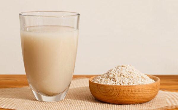 牛奶替代品正夯!11種植物奶哪種適合你(多圖)