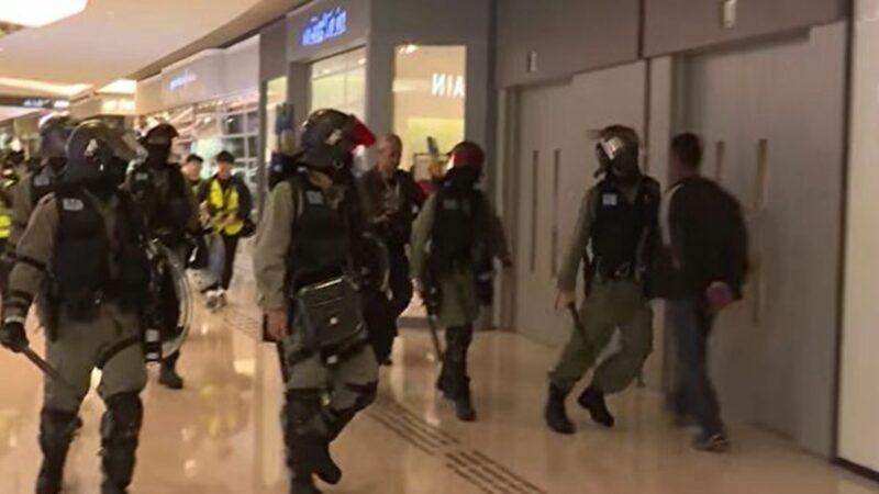 港警推撞行人反咬一口 画面曝光(视频)