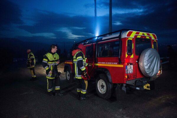 猛烈雨勢釀災 法國救援直升機墜毀3人罹難