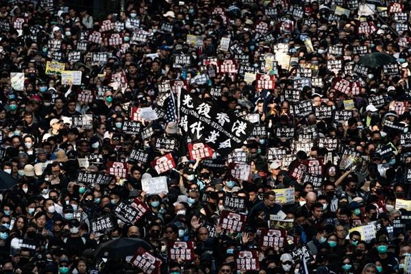 刘青:香港让中共无所遁形