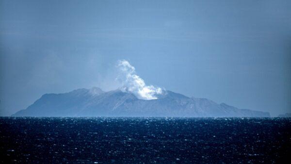 新西蘭火山遊客逃亡視頻曝光 倖存者憶驚險細節