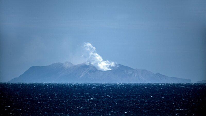 新西兰火山游客逃亡视频曝光 幸存者忆惊险细节