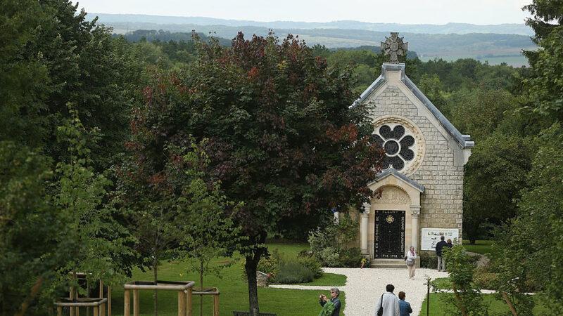 法国教堂圣诞弥撒 传集体一氧化碳中毒21人送医