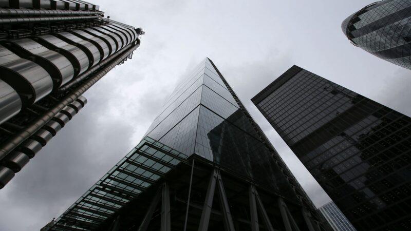 中国经济严重下滑 近9万房企停业
