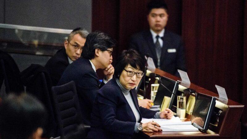 英媒:鄭若驊想辭職留英 被北京「押」回香港