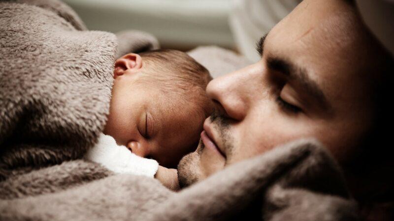 天冷別給寶寶亂添衣 安全保暖爸媽必知7件事