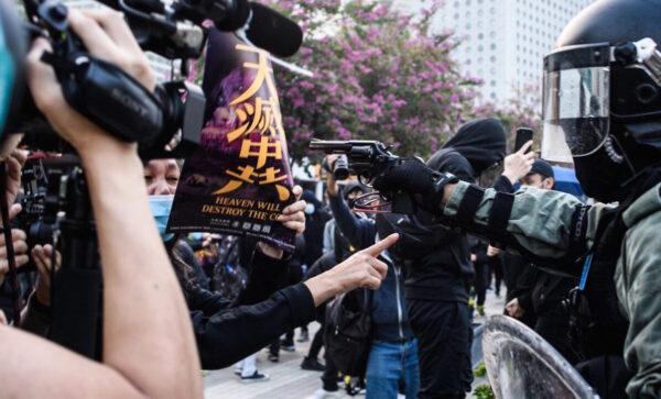 《石濤聚焦》香港歷史瞬間 「天滅中共」嚇退持槍港警