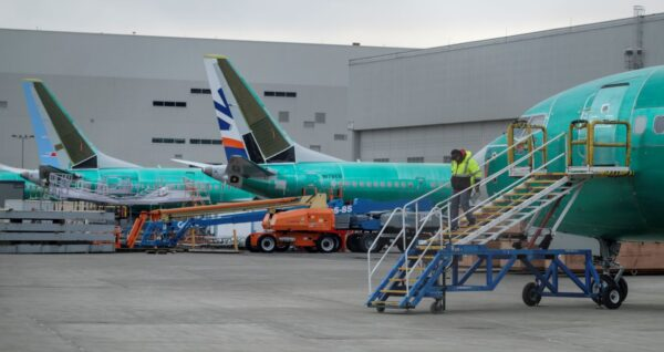 737 Max相关成本升 波音拟举债解财务紧张