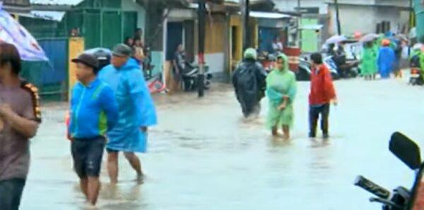 豪雨河川暴涨 雅加达跨年夜灾情惨重