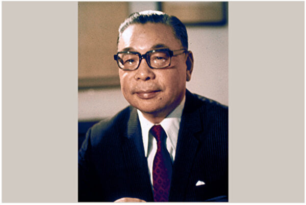蒋经国一生反共信念的历程(多图)